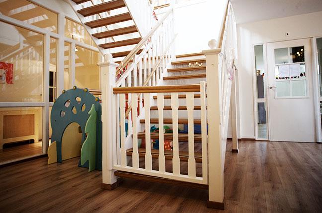 foto-kinderdagverblijf-trappen